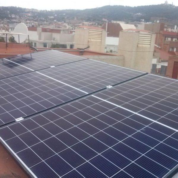 plaques-solars-i-kits-per-a-autoconsum-electric